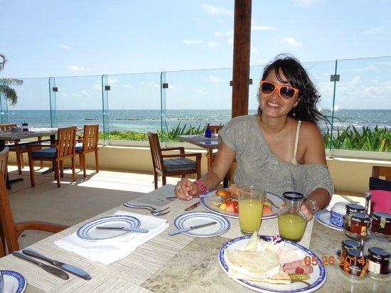 Grand Velas Riviera Maya: Desayuno restaurant Azul