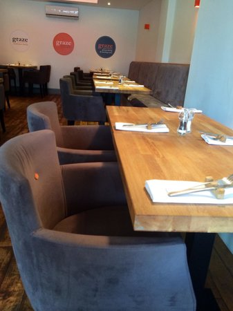 Graze Kitchen & Bar: Tables and chairs
