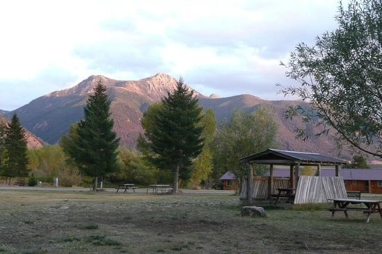 Slide Inn : Sheep Mountain and the Happy Hour Hut
