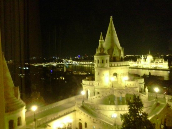 Hilton Budapest: Nighttime View From Room