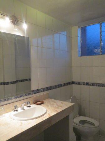 Hotel Conde de Lemos: 606 bathroom