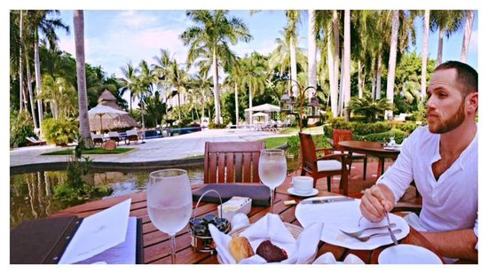 Casa Velas: Outdoor seating area of the AMAZING restaurant on property!