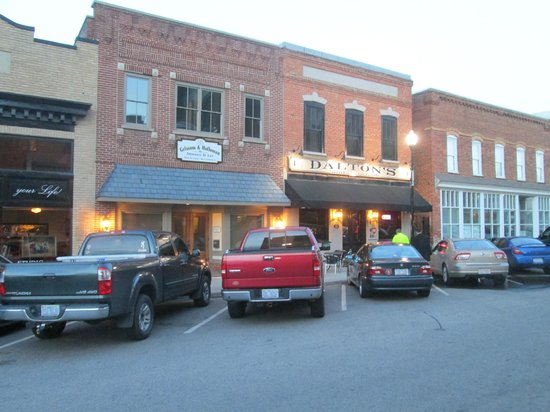 Dalton's Sports Bar and Grill: Dalton bar