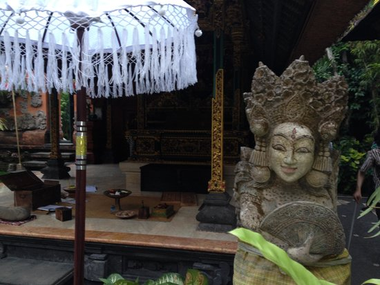 Rumah Desa Balinese Home and Cooking Studio: One of many happy faces we saw