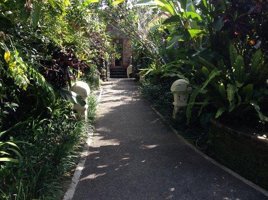 Rumah Desa Balinese Home and Cooking Studio: The entrance to Rumah Desa