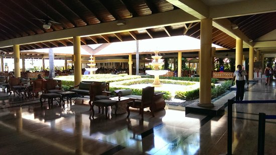 Grand Palladium Palace Resort, Spa & Casino: Reception