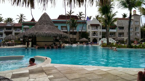 Grand Palladium Palace Resort, Spa & Casino: Pool area