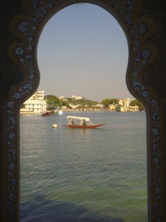 Taj Lake Palace Udaipur: Vista do Restaurante