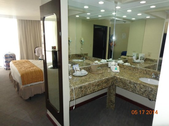 Plaza Paitilla Inn: Baño