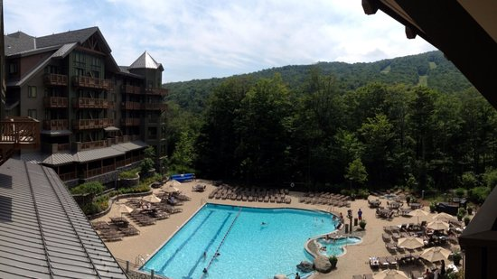 Stowe Mountain Lodge : View of the pool from our room