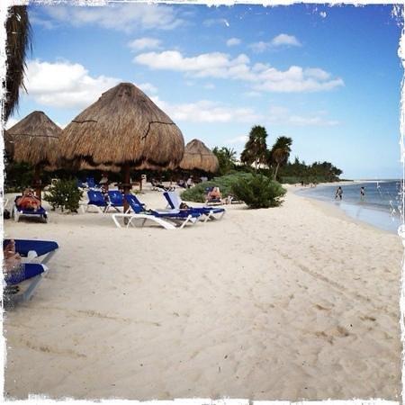 Grand Sunset Princess All Suites Resort : beach