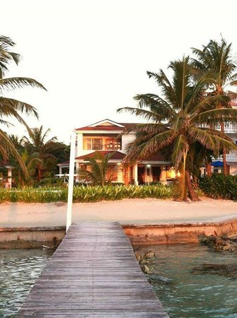 Paradise Villas: Looking at the Villas from the long dock.