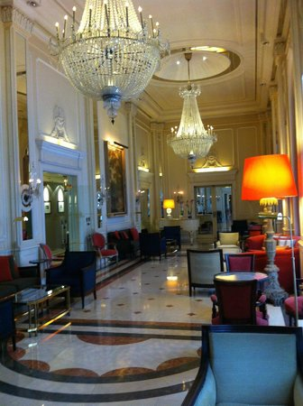 Palacio Estoril Hotel, Golf and Spa: lovely, lovely lobby!!!