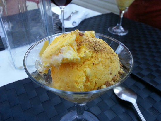 Saffron pistachio icecream on Zaffron Cuisine's patio.
