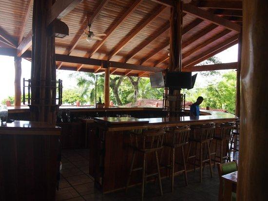 Agua Dulce Beach Resort: BAr/Dining