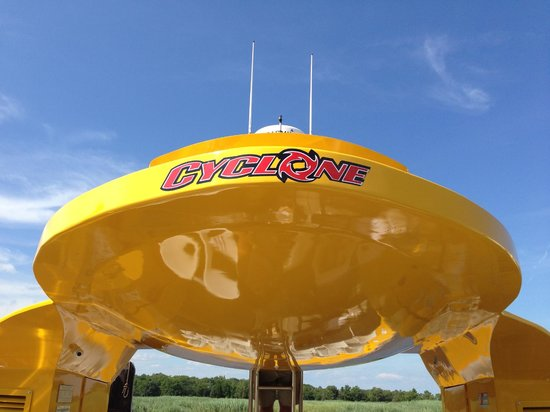 CYCLONE Speedboat Tours: Boarding Area