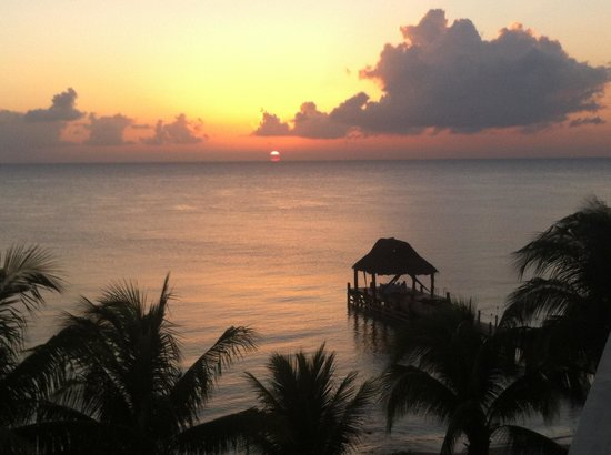 Secrets Aura Cozumel : Sunset from the Sky Bar.