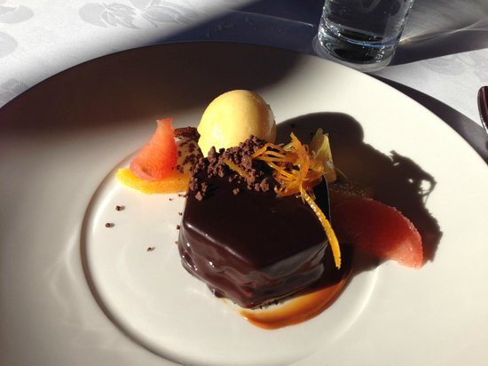 The Foredeck Restaurant: The delectable Callebaut Chocolate Dish