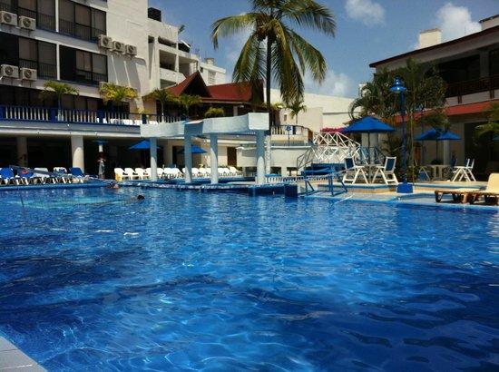 Sol Caribe San Andres: Pileta del hotel