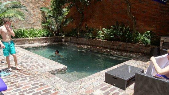 Hotel Le Marais: Hotel pool