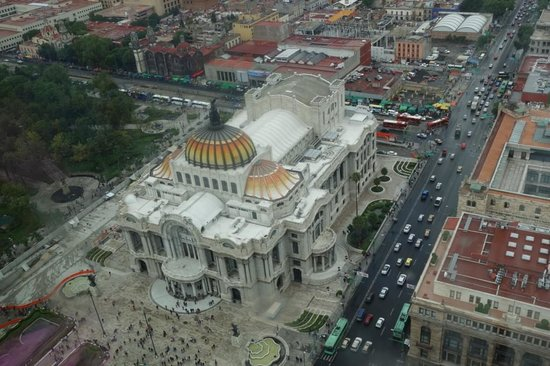 Torre Latinoamericana: Tower view of Bellas Artes and surrounding area