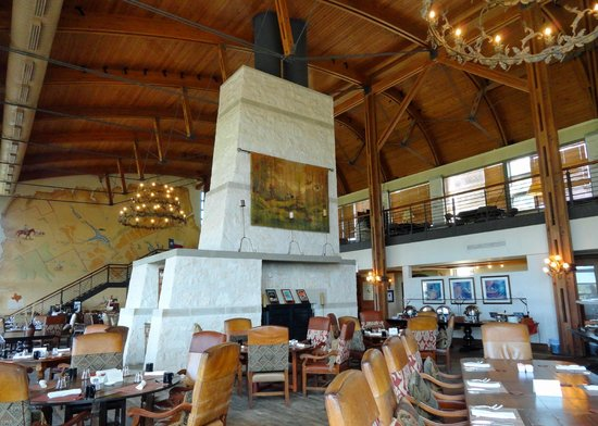 Rough Creek Lodge: Impressive Interior