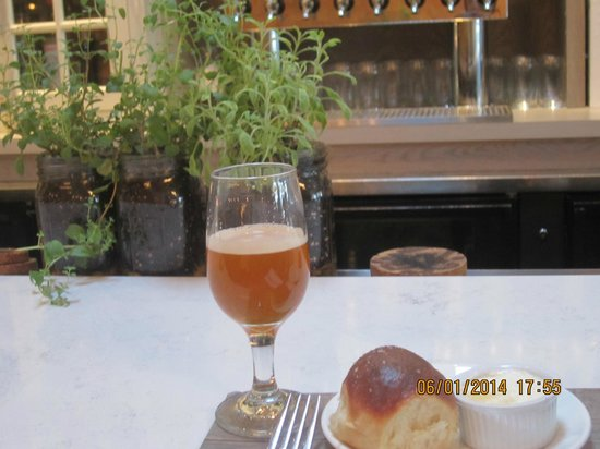 Puritan & Company: Artisan beer with freshly baked Parker House roll