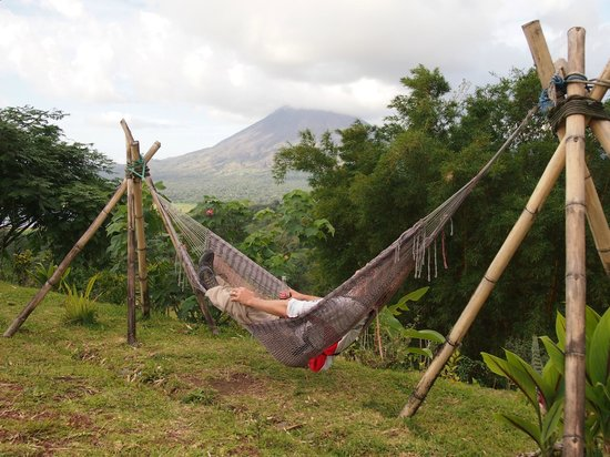 Essence Arenal Boutique Hostel : Arenal by hammock