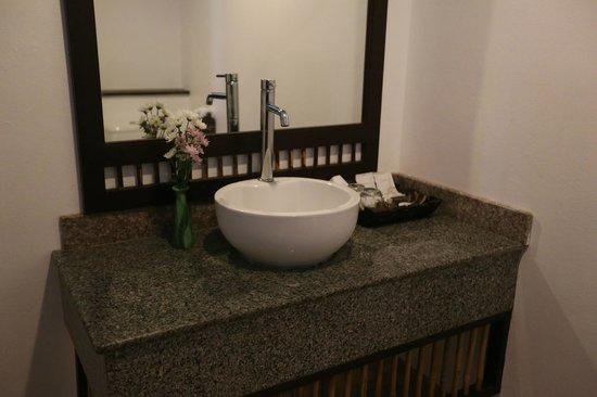 Railay Princess Resort and Spa: Railay Princess Resort - Krabi - Thailand - Wandervibes - bathroom