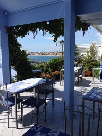 Hotel Palladio : View from terrace restaurant that overlooks the sea
