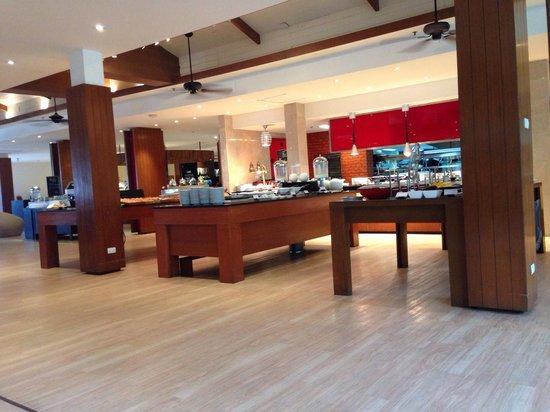 Swissotel Resort Phuket Kamala Beach: the breakfast area..