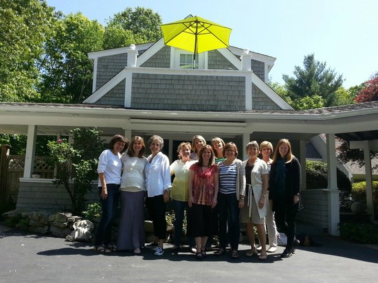 Abbey's Lantern Hill Inn: May 30, 2014