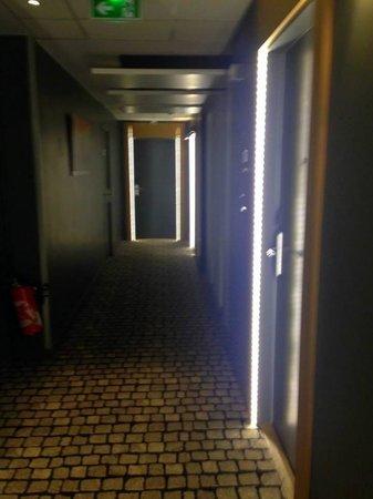 Hotel Ambre: corridor