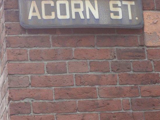 Acorn Street : Acorn St