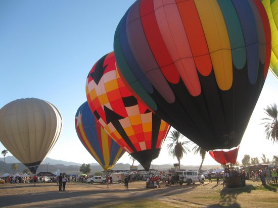 Lake Havasu: The Balloon Fest is the BEST ...