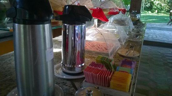 Hotel Pousada Arraial Candeia: Café da manhã espetacular