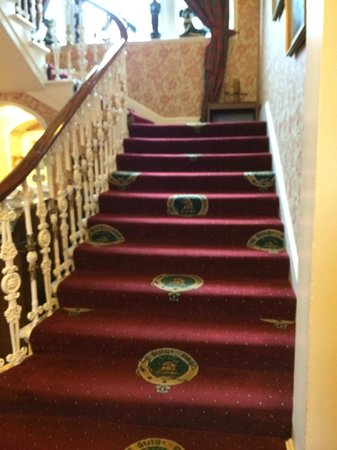 Lovat Arms Hotel: Stairway to Fraser heaven