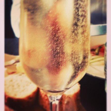 Mat & Destillat : champange innan måltiderna