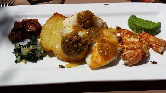 Le Verger des Papes: Lotte com vinagrete de legumes e camarões
