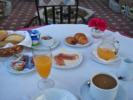 Hotel Monte Victoria: Breakfast