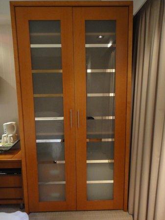 JJ Hotel: the big closet
