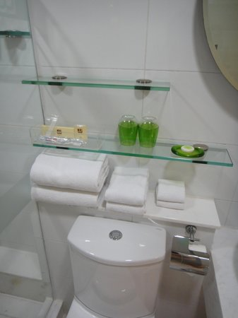 JJ Hotel: the complete toiletries and towels