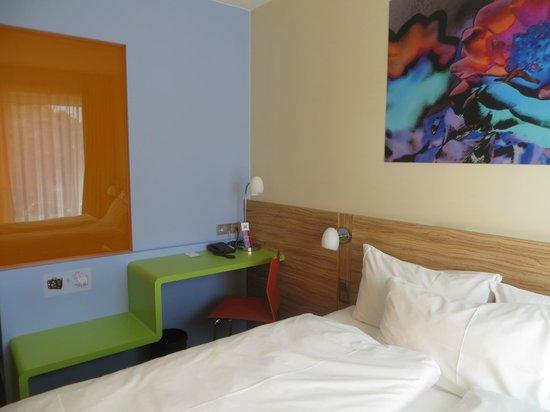 Ibis Styles Hildesheim: Room