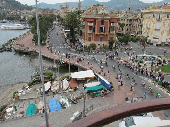 Italia e Lido Hotel: Bike Race view from Hotel Room
