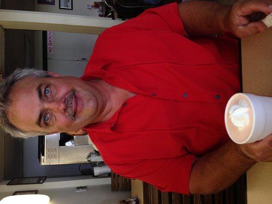 Blue Hangar Cafe: Delicious raspberry shake