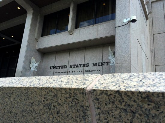 United States Mint: Front of building