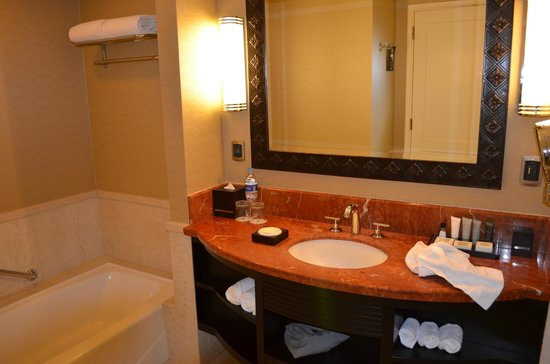 JW Marriott Hotel Lima: Bathroom