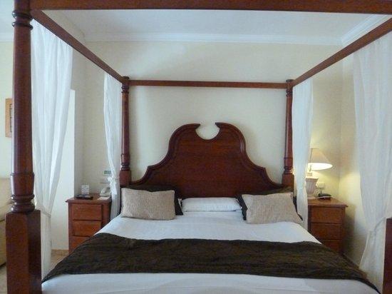 Majestic Colonial Punta Cana : quarto do casal...a cama era enorme