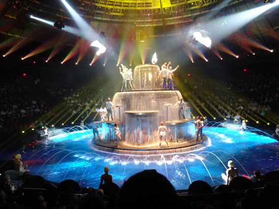 Le Reve - The Dream : Photos permitted during show