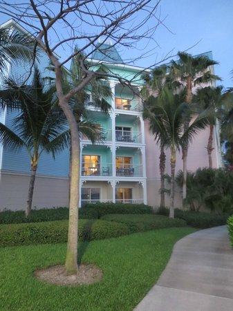 Atlantis - Harborside Resort: Picture from outside